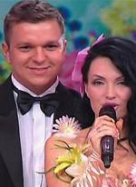 Антон Гусев оскорбил антифанатов своей жены