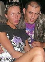 Молодой человек Элины Карякиной за периметром