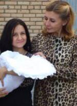 Ирина Агибалова забрала Валерию Кашубину из роддома