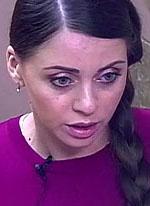 Ольга Рапунцель пошла гулять с новорожденной в непогоду