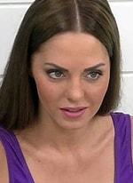 Юлия Ефременкова похвасталась огромными накаченными губами
